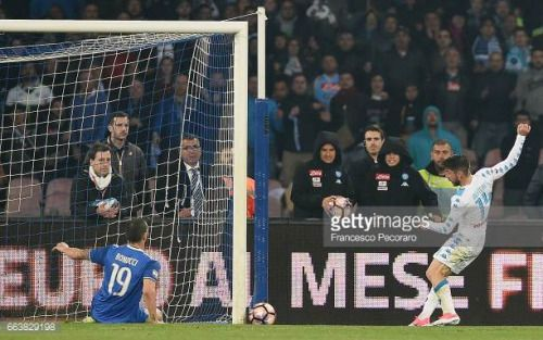 04-02 NAPLES, ITALY - APRIL 02: Player of SSC Napoli Dries... #aschachanderdonau: 04-02 NAPLES, ITALY - APRIL 02:… #aschachanderdonau