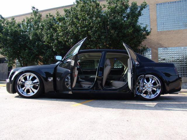 Chrysler 300, Suicide Doors.
