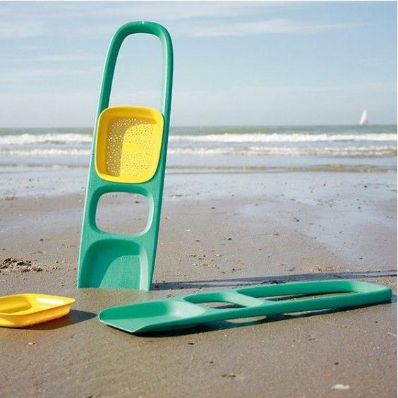Quut - Scoppi Beach Shovel Perfect for summer! #Entropywishlist #pintowin