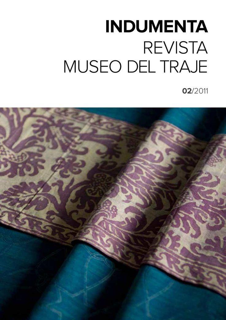 Publicación del Museo del Traje que analiza y estudia diversos aspectos del vestido y la indumentaria