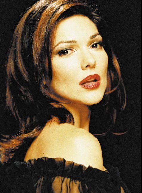 30 best ♥ Laura Harring images on Pinterest   Beautiful ...