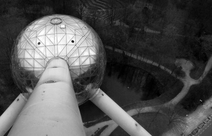 The Atomiun building  Belgium , sculpture , architecture , atom , sphere , chrome , stainless , science , sculpture