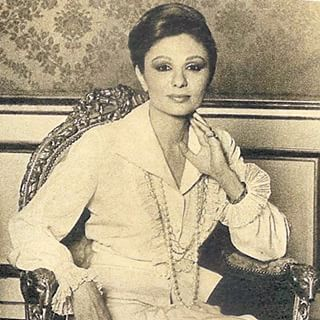 1000 images about my loved empress farah on pinterest for Shah bano farah pahlavi