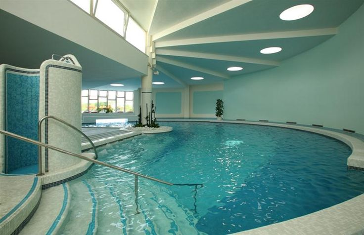 Oltre 25 fantastiche idee su piscina termale su pinterest piscine moderne piscine piccole e - Piscina termale salsomaggiore ...