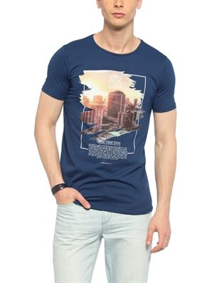 Navy Regular Crew Neck Printed T-Shirt, Urun kodu: 7YJ624Z8-DV7,Fit:Regular,Neck Type:Crew Neck,Design:Printed,Product Type:T-shirts,Main Fabric:%100 Cotton,