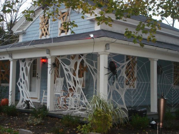beef netting spider webs - Halloween Spider Decoration