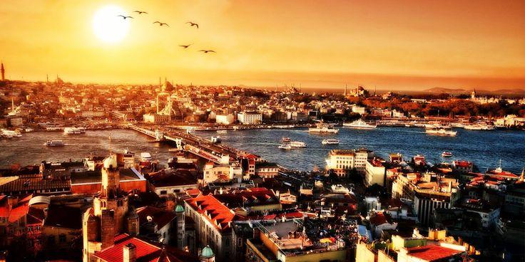 Città delle Città, Gostandnubolis, Il Piede del Trono sono solo alcuni dei nomi della magica città a cavallo tra Oriente..