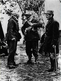 General Leclerc, commander of French armies in Tunisia, converses with his officers at the battlefront where he is in hot pursuit of retreating Axis forces. Pin by Paolo Marzioli