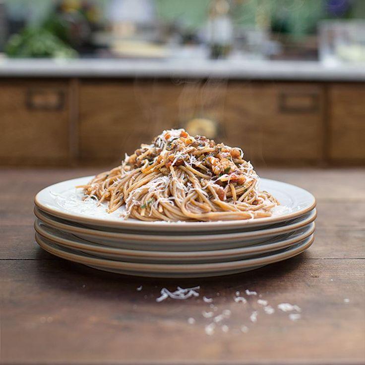 Vega Bolognese met linzen & groente ingredienten - Jamie magazine