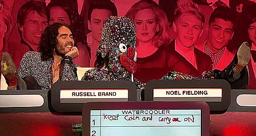 When he wore probably the best outfit you've ever seen on TV. | 22 Times Noel Fielding Was The Most Hilariously Weird Man In Britain