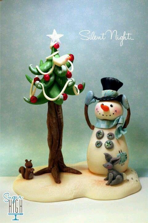 fondant xmas tree and snowman . polymer clay porcelana fria pasta francesa masa flexible fimo gum paste pasta goma modelado figurine modelling topper biscuit xmas christmas navidad pascua natal