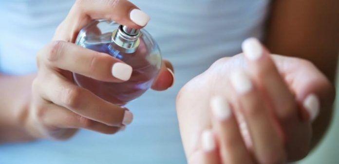 Как закрепить аромат духов на весь день? Очень простой трюк! Теперь пользуюсь только так | Женские темы