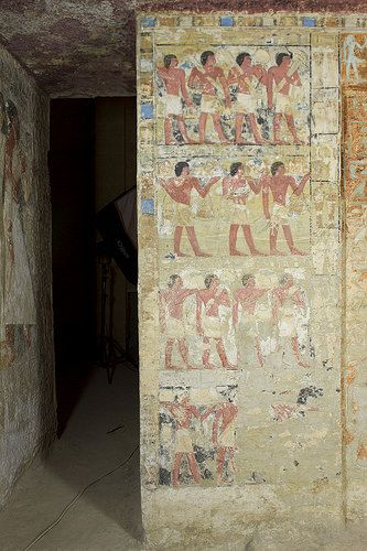 This photograph has copyright by Polish-Egyptian Archaeological Mission in Saqqara and by Soloegipto .