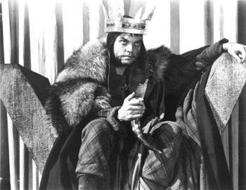 "Dan O'Herlihy as Macduff in the 1048 film ""Macbeth."""
