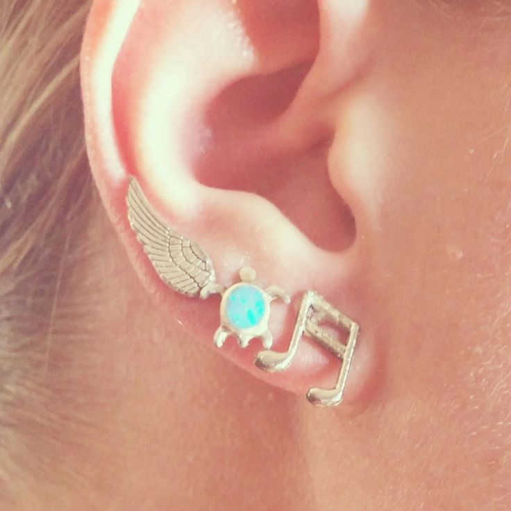 There are so many different ways you can wear these cute feather stud earrings!