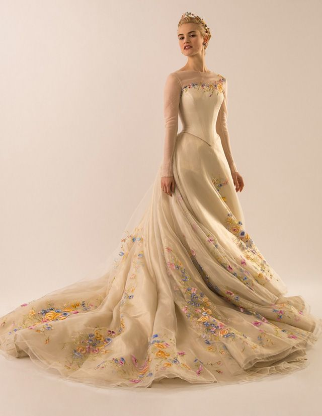 The wedding dress that will feature in Disney's upcoming live-action version of the classic fairytale 'Cinderella' has been revealed, thanks to a new editorial via Vanity Fair magazine