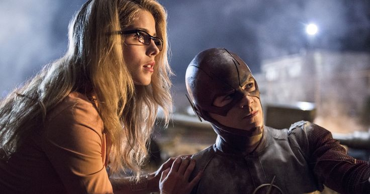 Extended 'Arrow' & 'Flash' Crossover Trailer Brings in Vandal Savage -- The immortal Vandal Savage wreaks havoc on Central City in a new trailer for the 'Arrow' and 'Flash' crossover, airing December 1 and 2 on The CW. -- http://movieweb.com/arrow-flash-crossover-trailer-extended-2015-vandal-savage/