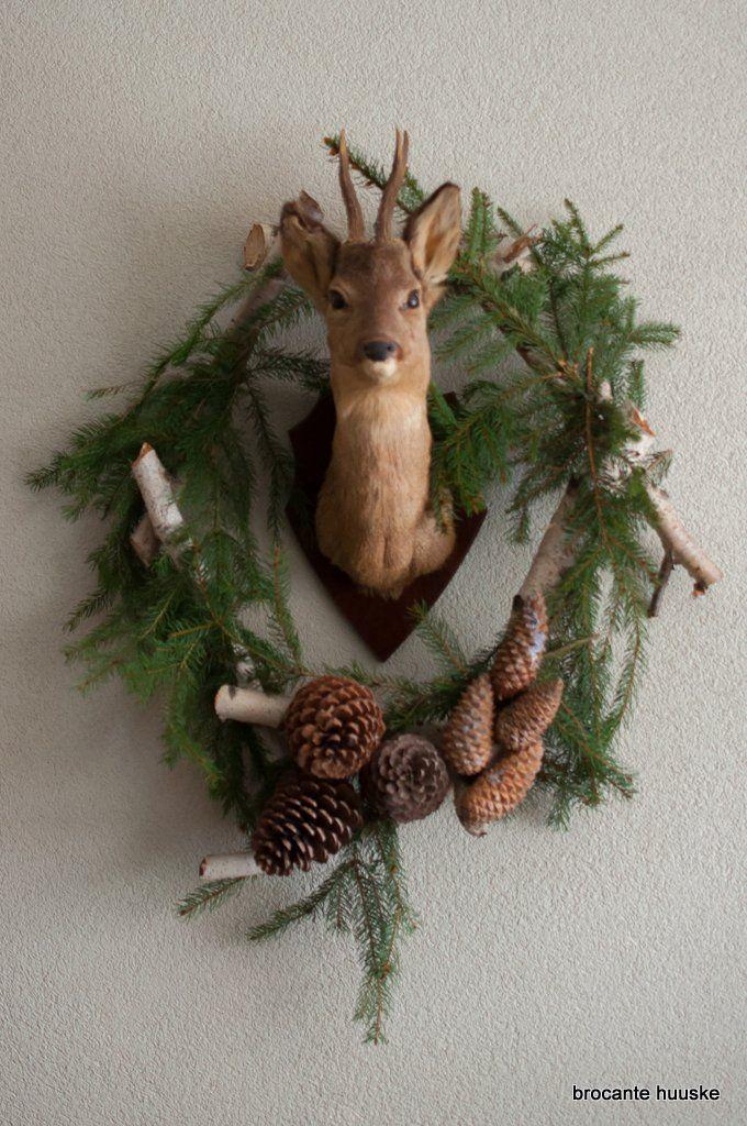 Deer trophy wreath [Kom Achterom]; rustic decor; lake house; cabin