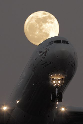 Virgin A340-600 Moon mother nature moments