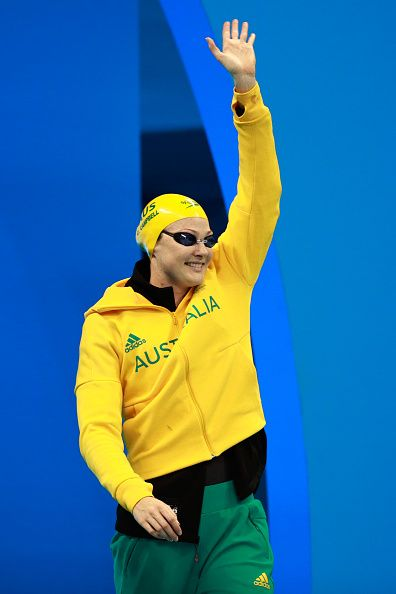 #RIO2016 Cate Campbell of Australia waves to the crowd in the Women's 100m…
