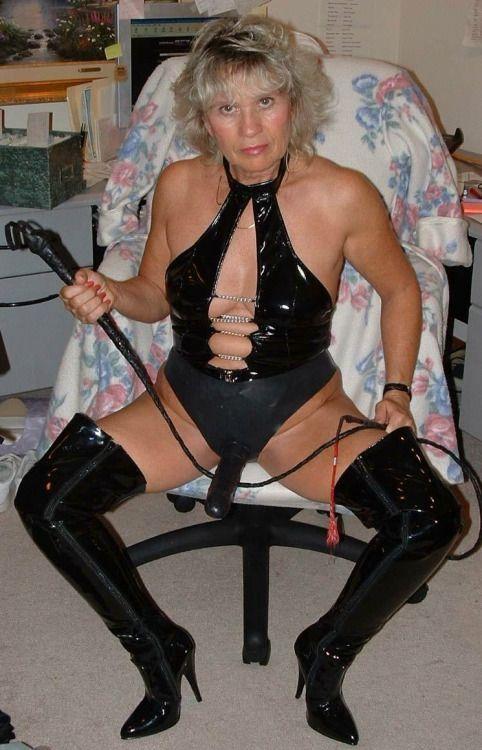 Erotic aunt leigh