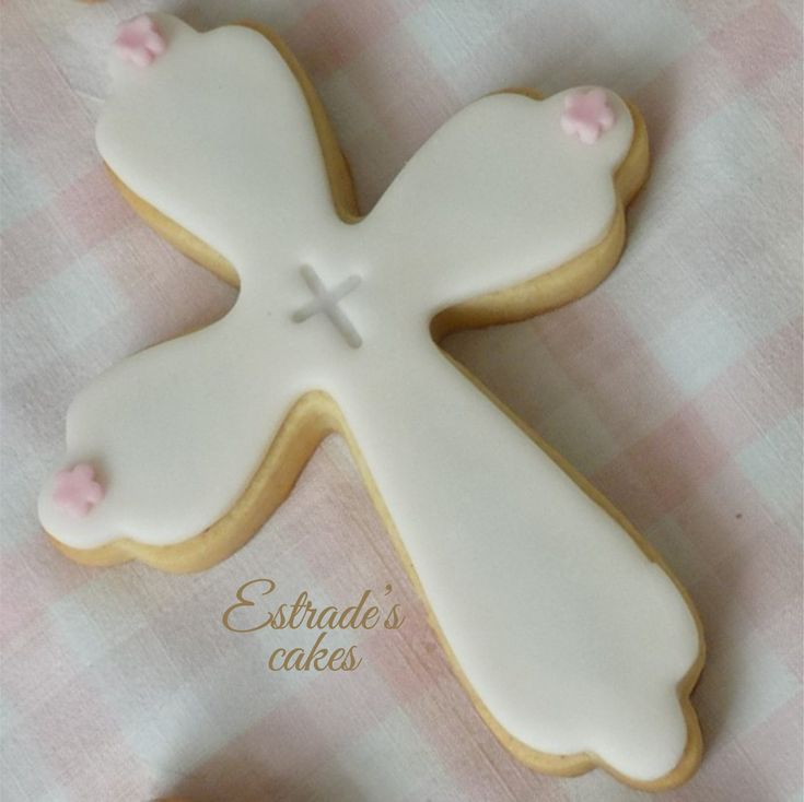 Estrade's cakes: galleta de cruz para una primera comunión