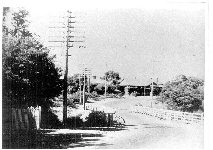 Point Nepean Road (now Nepean Highway) and the Mile Bridge, 1940s. Donated by Mr. Norman Whittingham 1987. [picture]