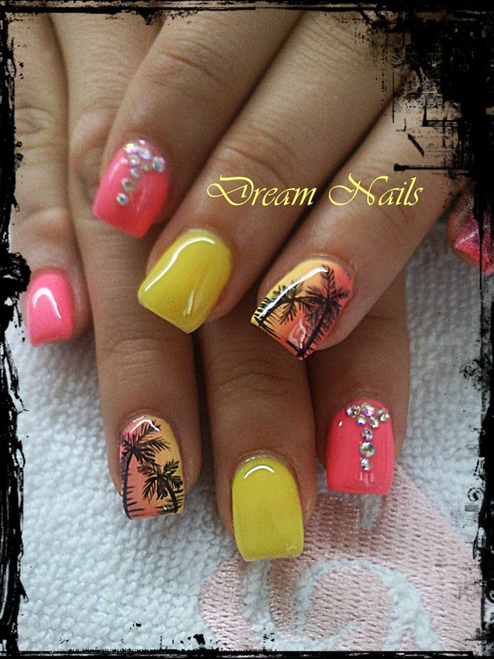 Nail art, Beach nails, Summer nails, Palm tree, Sunset , Yellow nails, Pink nails swarovski nail art https://www.facebook.com/dreamnailskoromstudio/photos/pb.442176125893027.-2207520000.1437426837./714462688664368/?type=3&theater