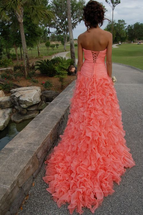 THIS. DRESS. OMFG.: Wedding Bridesmaid Dresses, Wedding Dressses, Ball Gowns, Style, Color, Prom Dresses, Coral Wedding, Stunning Dresses, Ruffles