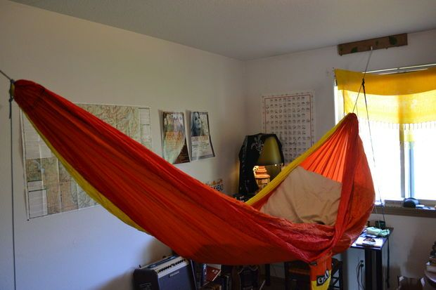 Hang your hammock indoors above bed how to hang and student - Indoor hammock hanging ideas ...
