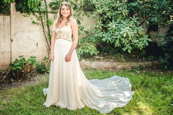golden wedding dress, spring bride, vestido de novia, espalda pedrería dorada. Chic