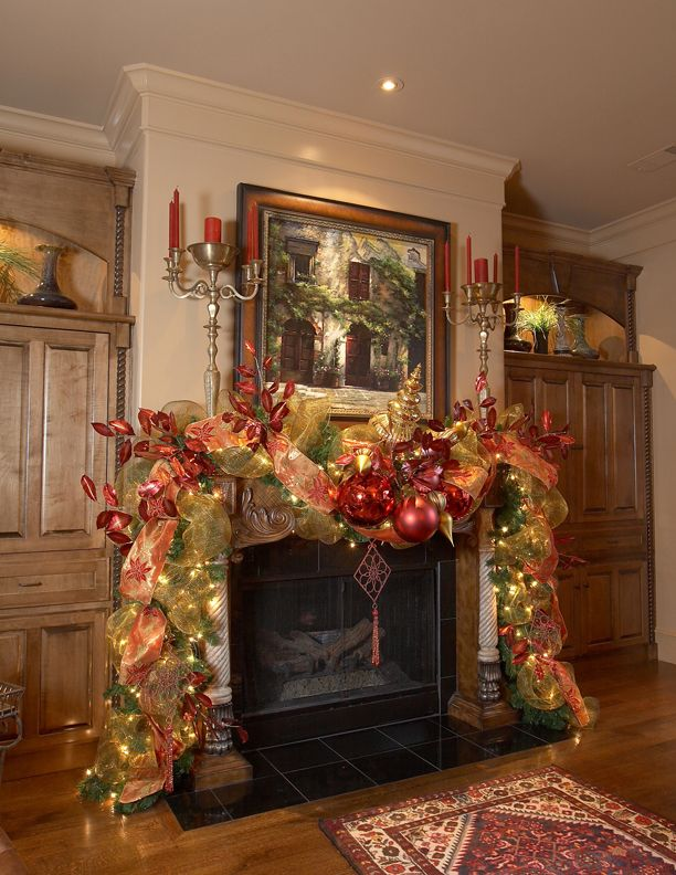 I miss having a fireplace at Christmas!: Teardrop Campers, The Holidays, Christmas Decor Ideas, Christmas Fireplaces, Christmas Decorations, Christmas Mantels Decor, Garlands, Christmas Ideas, Christmas Mantles