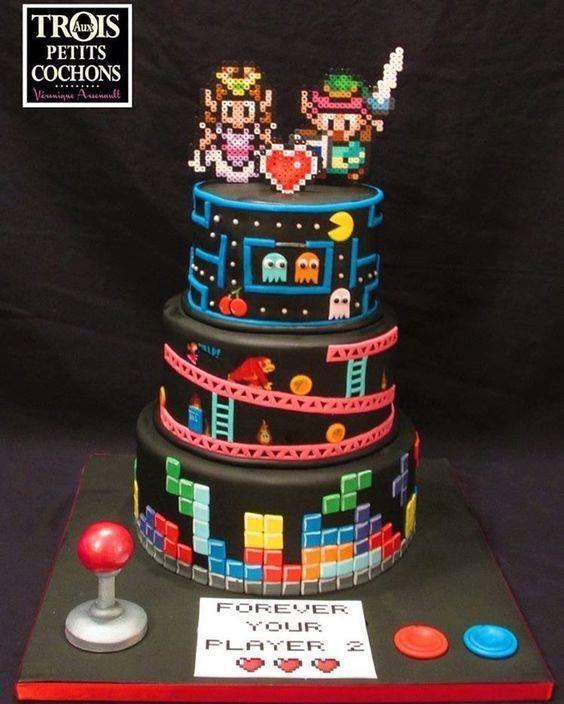 Retro gamer wedding cake