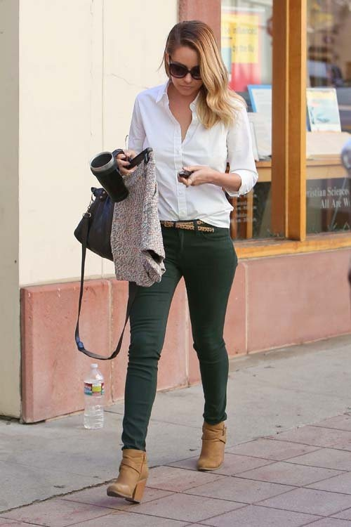 Business casual work outfit: white button up  dark green skinnies, cognac booties. Definitely more for spring or early fall.