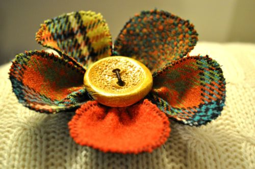 TWEED WOOL coat scarf pin button vintage tartan yellow turquoise orange BROOCH L