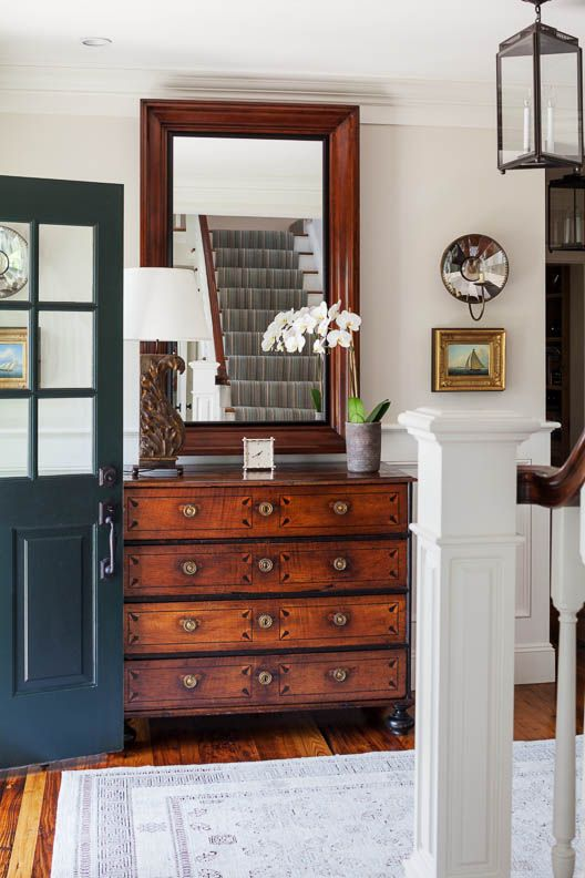 Browse The Images Of Award Winning Coastal New England Harbor House A Historically Inspired New England Style Home Located In Historic Edgartown