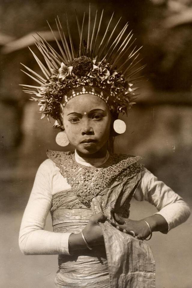 Dancer, 1924, Bali