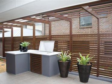 Slat Privacy Railing Upper Deck North Side Pool