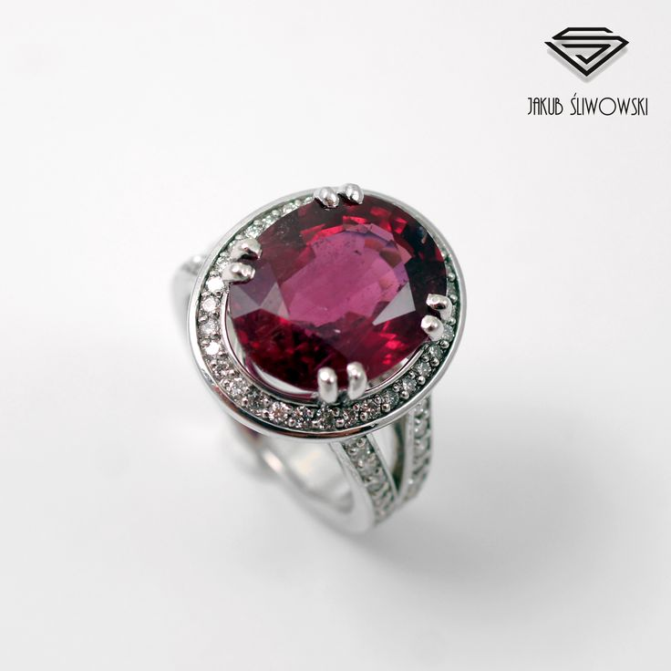 Rubelite and diamonds ring