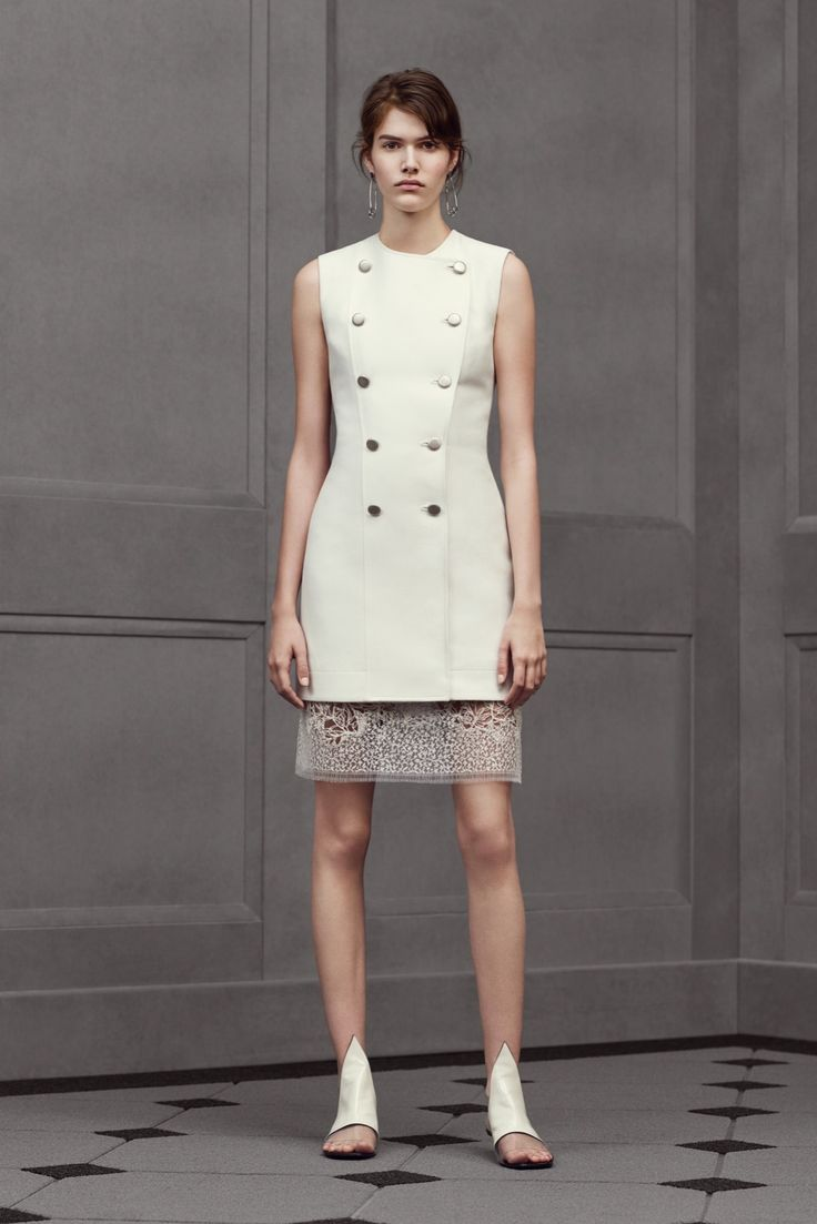 Balenciaga - Resort 2016 - Look 18 of 29?url=http://www.style.com/slideshows/fashion-shows/resort-2016/balenciaga/collection/18