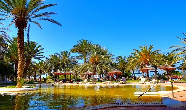 Hôtel Odyssée Resort 4* Djerba Zarzis en Tunisie Lastminute. Niché dans un cadre naturel unique, en bord de mer, l'hôtel Odyssée Resort & Thalasso vous offre dépaysement et service personnalisé.