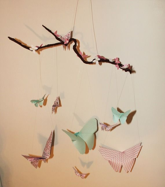 1000 id es sur le th me mobile en papillons sur pinterest mobiles lustre de papier et mobile. Black Bedroom Furniture Sets. Home Design Ideas