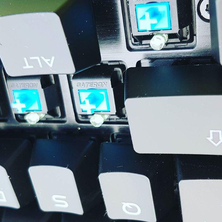 Bleu switch #Gateron en #RGB pour mon nouveau clavier  #keyboard #gaming #jeu #jeuvideo