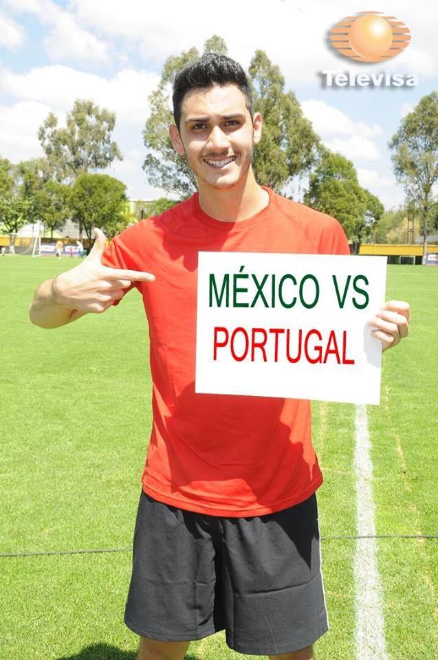 Alejandro Speitzer aprovechó para demostrar su apoyo a la Selección Mexicana de Fútbol en su partido mundialista contra Portugal.  #AlejandroSpeitzer #AlexSpeitzer #2014 #Mexico #Portugal #playera #short #actor #Televisa #Actores #TelevisaDeportes