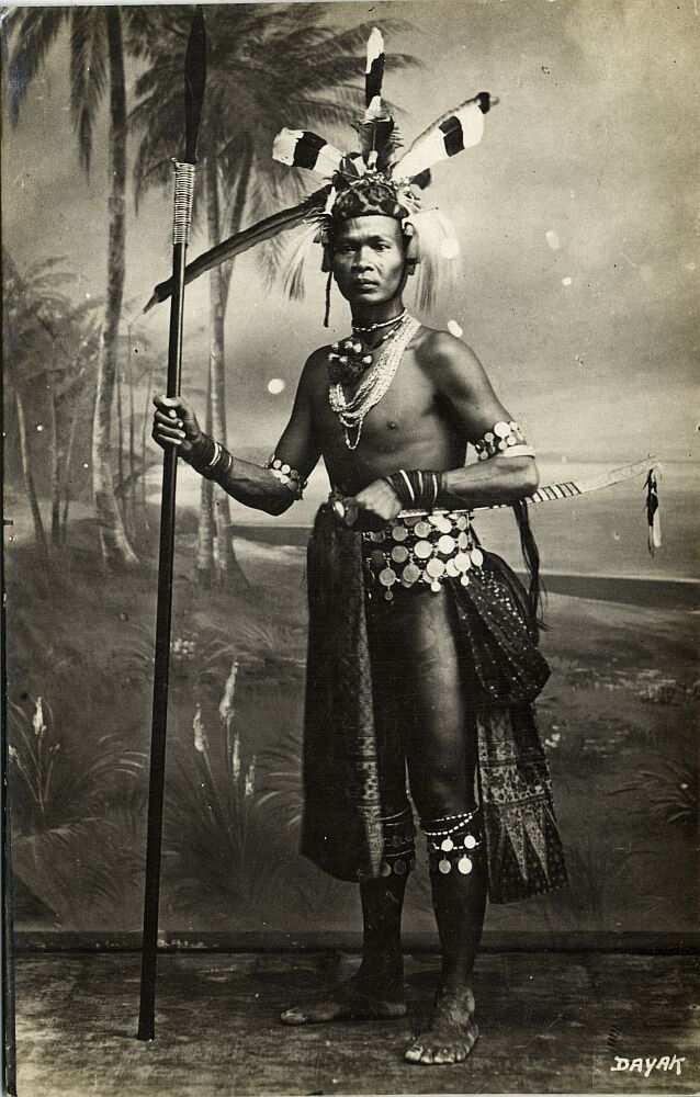 malaysia Borneo Sarawak Armed Native Dajak Dayak Warrior, Tattoo (1920s)