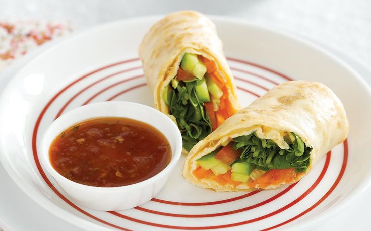 This rice paper roll dish can be served on its own, or with your favourite dipping sauce. Great for lunch boxes, drinks parties and a healthy mid-meal snack.