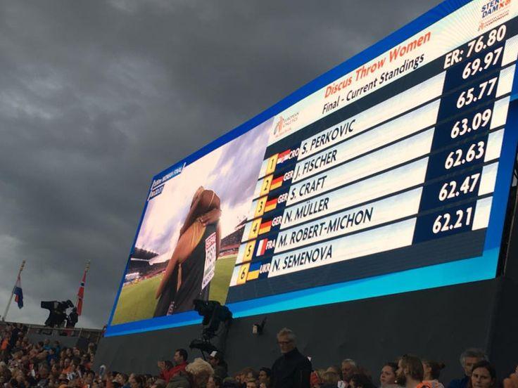 Super!! Deutsche Girls sind happy!! Silbermedaille für Julia Fischer hinter einer unfassbar starken Sandra Perkovic! Und Bronze für Shanice Craft! — – hier: Amsterdam 2016 - European Athletics Championships.