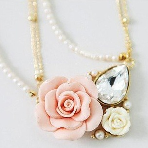 Necklaces that are sure to add that hint of grace to your outfit!