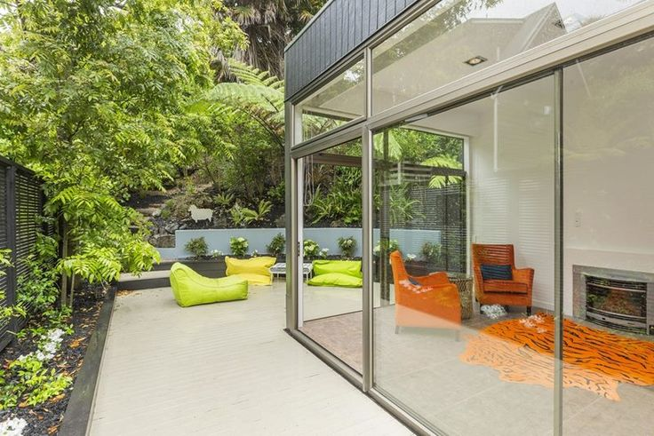 Takutai St in Parnell - lime furniture complements the greenery