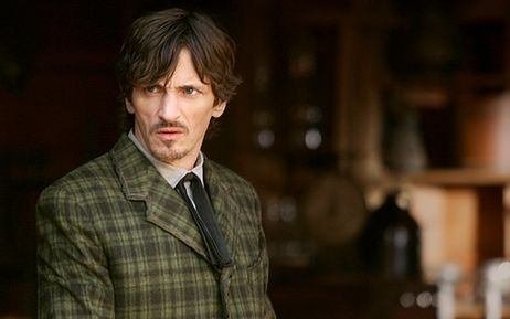 John Hawkes as Sol Starr from HBO's Deadwood.  Loved him paired with Trixie (Paula Malcomson).  He seems to have the perfect amount of success in Hollyweird, dontcha think?